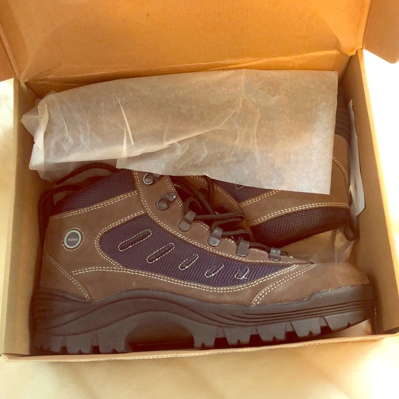 Nevados Other - NEW IN BOX NEVADOS HIKING BOOTS
